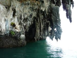 baie-phang nga-stalactites