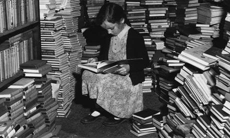 rat-de-bibliothèque-petite-fille