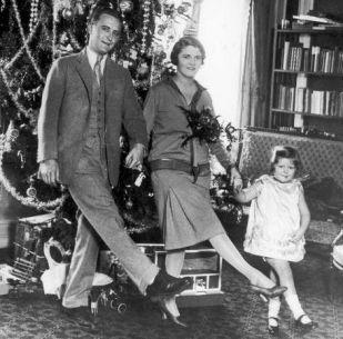 F.Scott-Fitzgerald-et-zelda-et-sa-fille-dansent-Noël