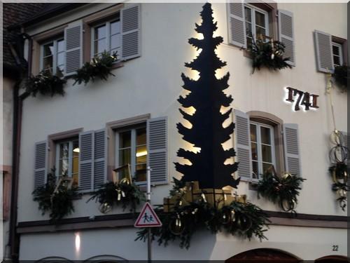 vitrine-strasbourg-Noël-pont-sainte-Madeleine