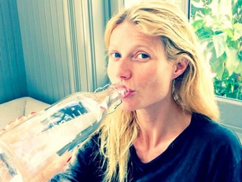 Gwyneth-Paltrow-celebre-le-Water-World-Day-le-22-mars-2014_l