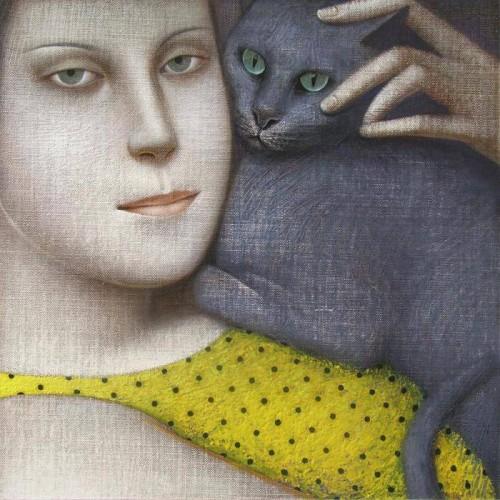 chat-gris-femme-robe-jaune-Vladimir-Dunjic