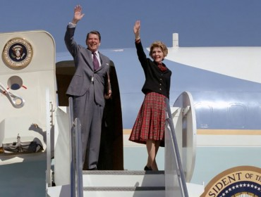 nancy-reagan-et-le -presidentnr-airforce1_t700