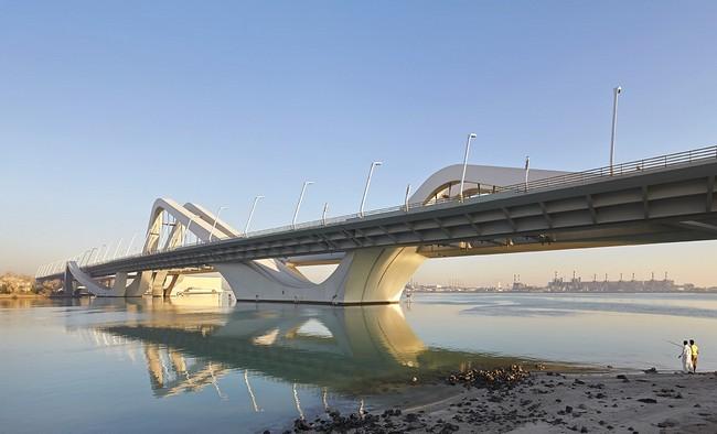 Sheikh-Zayed-Bridge-zaha-habib