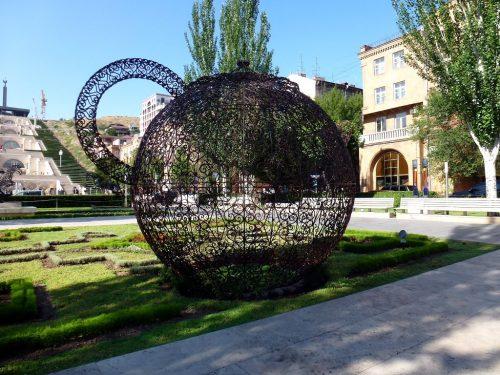 joana-vasconcelos-pavillon-des-thés-arménia