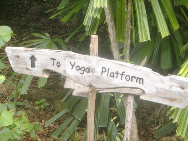 yoga-plateforme-yao-noi-six-senses