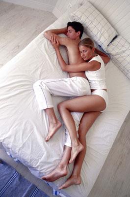 couple-dormir-en-cuillère