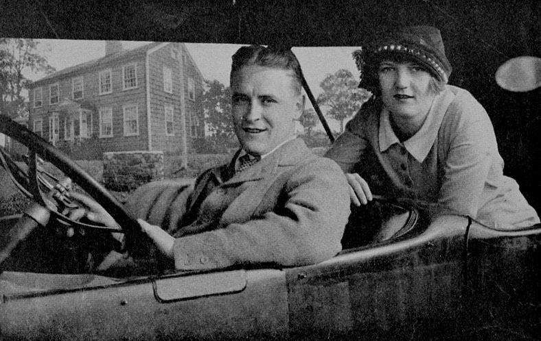 Zelda-et-FS-Fitzgerald-dans-une-voiture