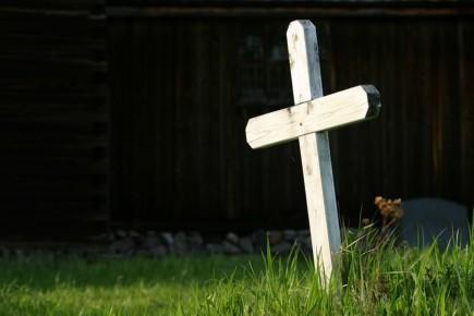 mort-toussaint-tombe-croix