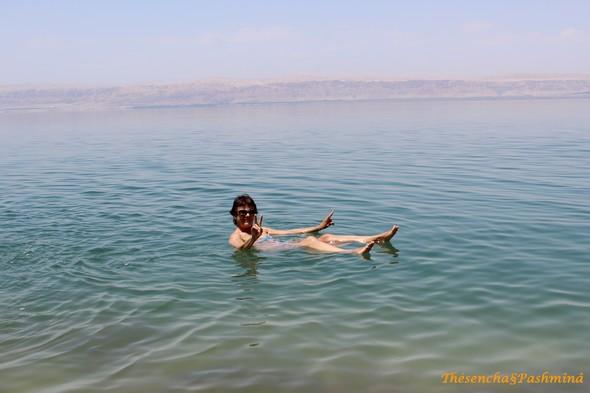 mer-morte-dead-sea-je-flotte-jordanie
