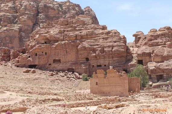 pétra-cité-romaine-château-du-pharaon-Qasr-el-bint-al-faraoun