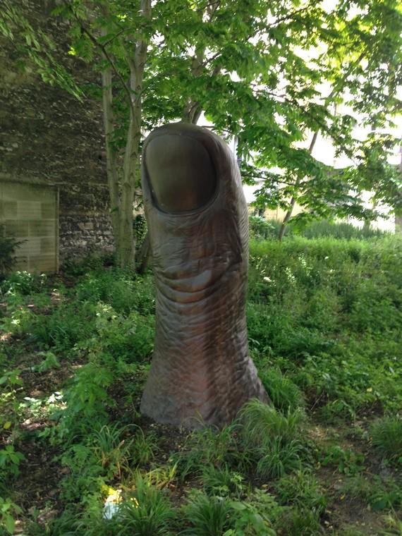 pouce-de-César-jardin-fondation-cartier
