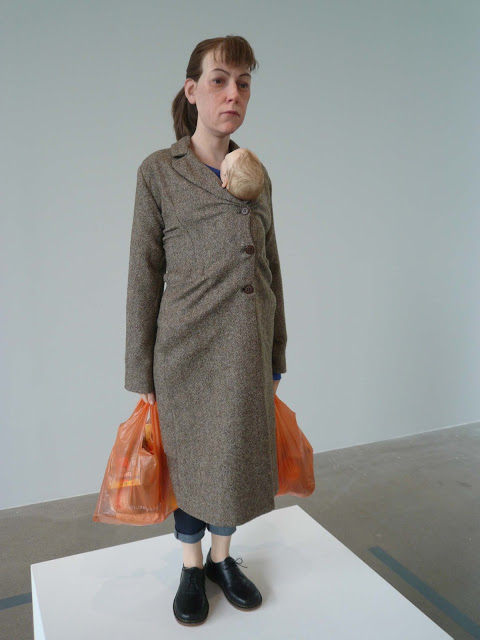 Woman-with-shopping-Ron-Mueck