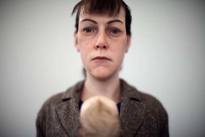 Woman-with-shopping-Ron-Mueck-focus