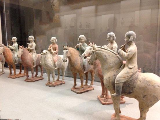Musée-Cernuschi-orchestre-des-huit-cavalières-époque-des-tang