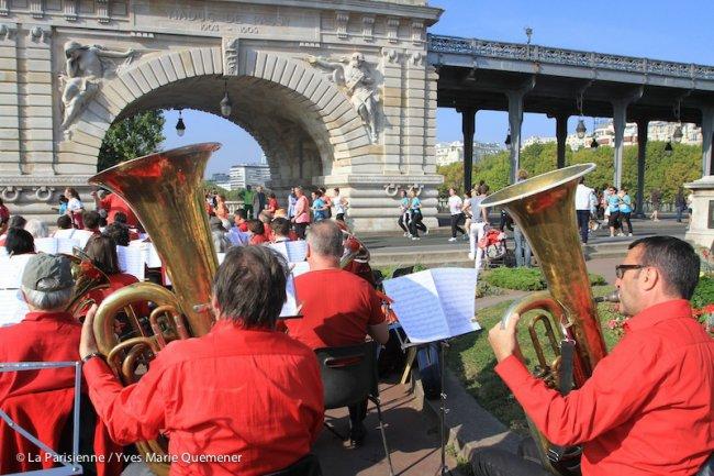 course-la-parisienne-orchestre-sur-le-parcours