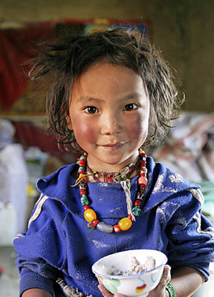 enfant-tibetain-qui-sourit