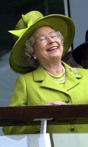 reine-Elizabeth-qui-rit-aux-éclats