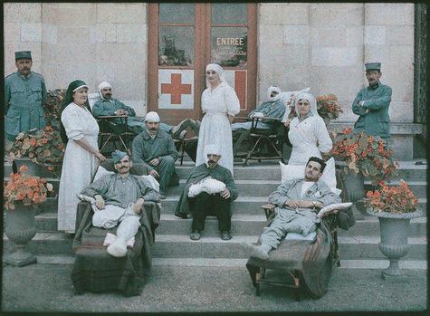 guerre-1914-1918-blessés-religieuses-infirmières-hopital-militaire-de-moreuil-dans-la-somme