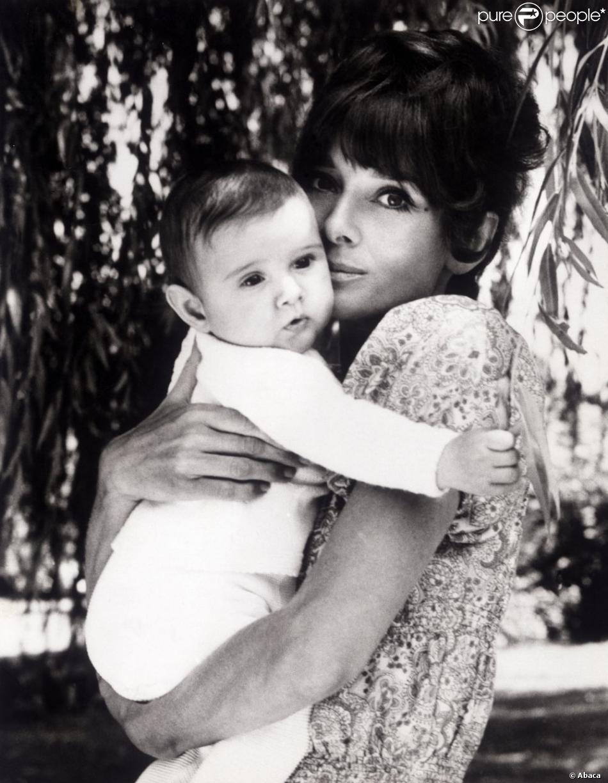 Audrey-Hepburn-à-Rome-avec-son-fils