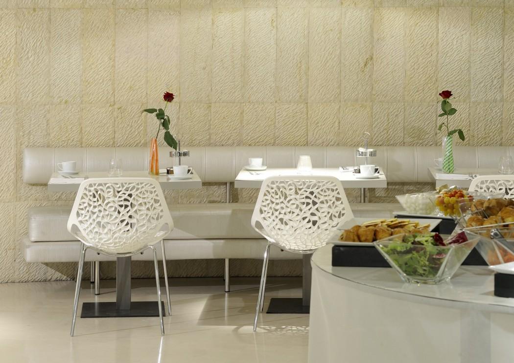salle-petit-déjeuner-hôtel-banke-paris