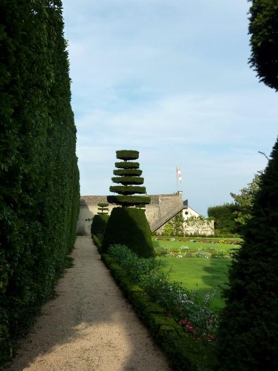 château-de-Pizay-jardin-à-la-française