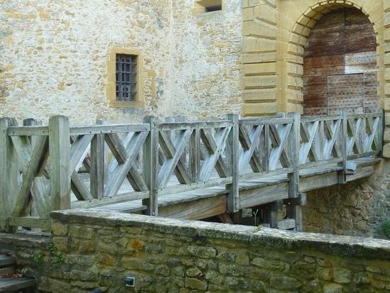 château-de-Bagnols-pont-levis
