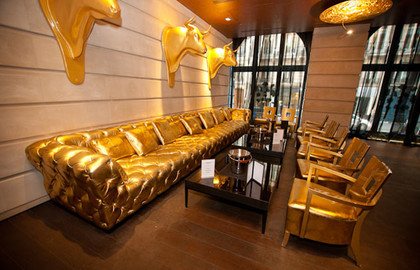 bar-hôtel-banke-paris-chesterfiel-doré