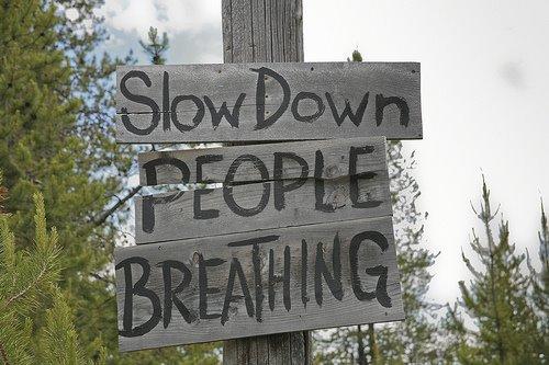 panneau-slow-down