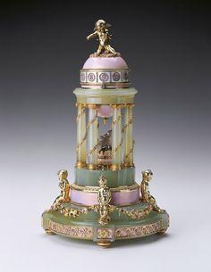 Fabergé-Romanov-œuf-au-trophée-d-amour