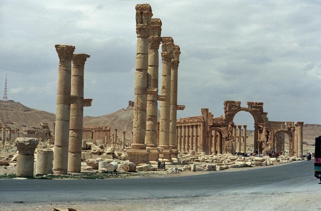 palmyre-colonne-et-arc-de-triomphe