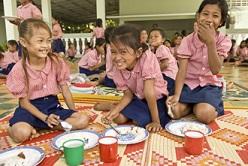 fillettes-école-chandara-toutes-à-l-ecole-association-qui-scolarise-les-filles-