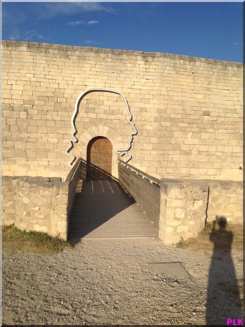 Lacoste-esplanade-chateau-de-Sade