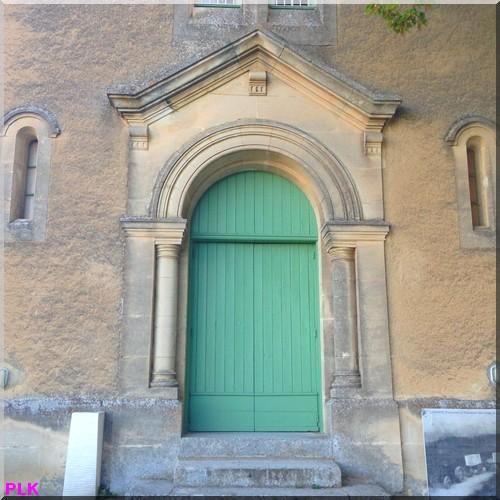 Lacoste-Lubéron-porte-du-temple