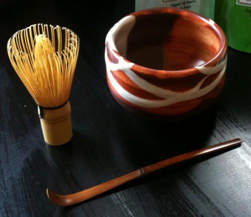 Three-piece-préparation-thé-matcha-set-chasen