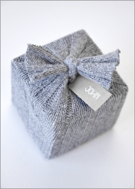 paquet-cadeau-laine-gris