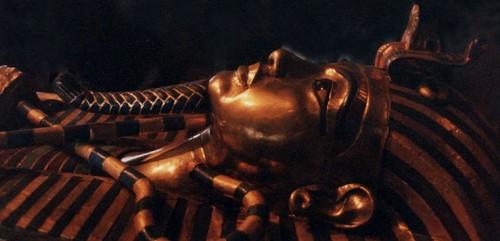 second-sarcophage-de-toutankhamon-en-bois-recouvert-d-or