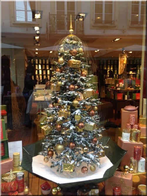 vitrine-Noël-Strasbourg-Palais-des-thés