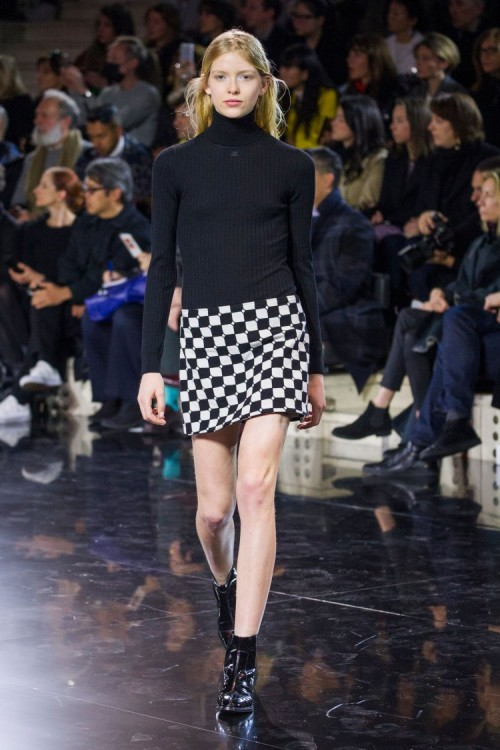 urrèges-mini-jupe-damier-collection-hiver-2016