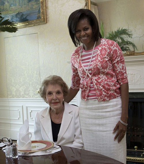 Nancy_Reagan_with_Michelle_Obama_