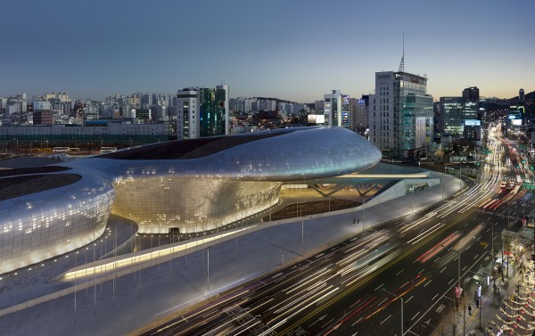 Dongdaemun-Design-Plaza-zaha-hadid