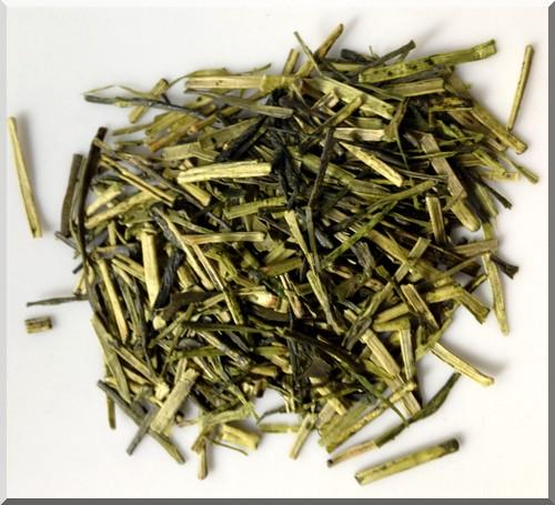 thé-kukicha-couleur