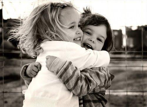 trois hugs par jour