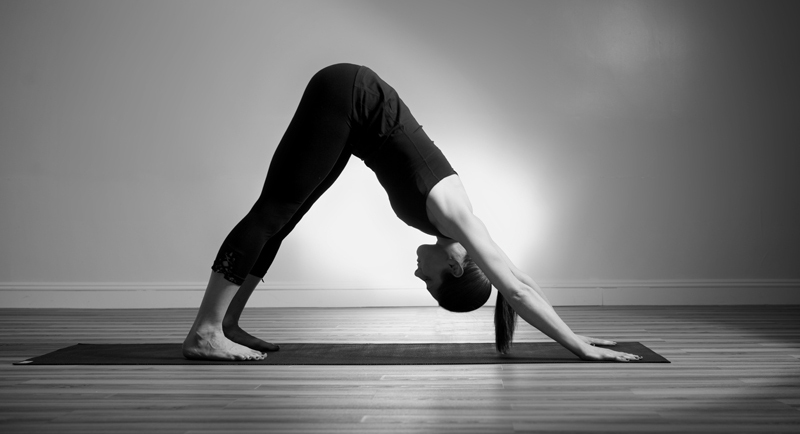 chien tête en bas yoga asana