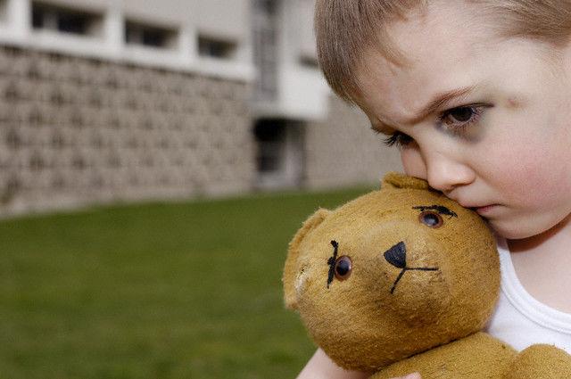 enfant victime de parents maltraitants