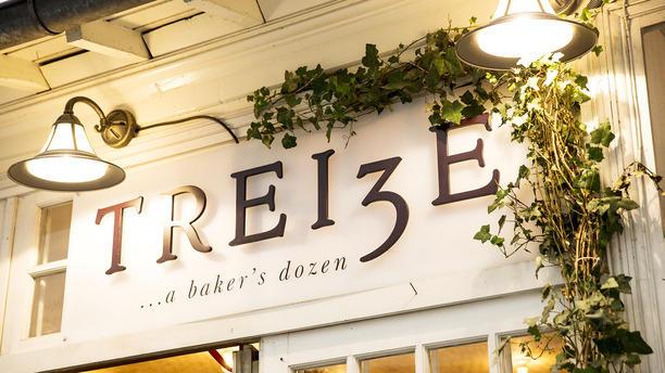 3-a-baker-s-dozen-façade