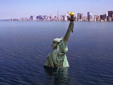statue-de-la-liberte-sous-les-eaux