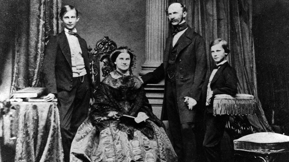 Ludwig-II-et-sa-famille